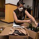 A engenheira Juliana Tourinho entrega seus recicláveis nos Ecopontos da cidade e no programa Vale Luz da Coelba