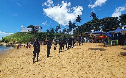 Guarda Civil Municipal fiscaliza presença de banhistas nas praias neste domingo
