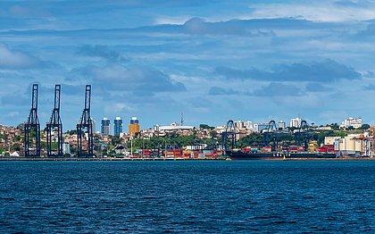 Mesmo em meio à pandemia, o Porto de Salvador registrou em maio um crescimento de 8,12% na movimentação acumulada deste ano, em relação ao anterior