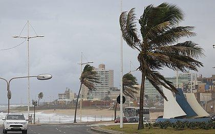 Prepara o casaco: Salvador terá chuva e ventos de 40 km/h a partir desta quarta (5)