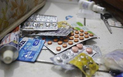 Remédios ainda estão espalhados pelo chão