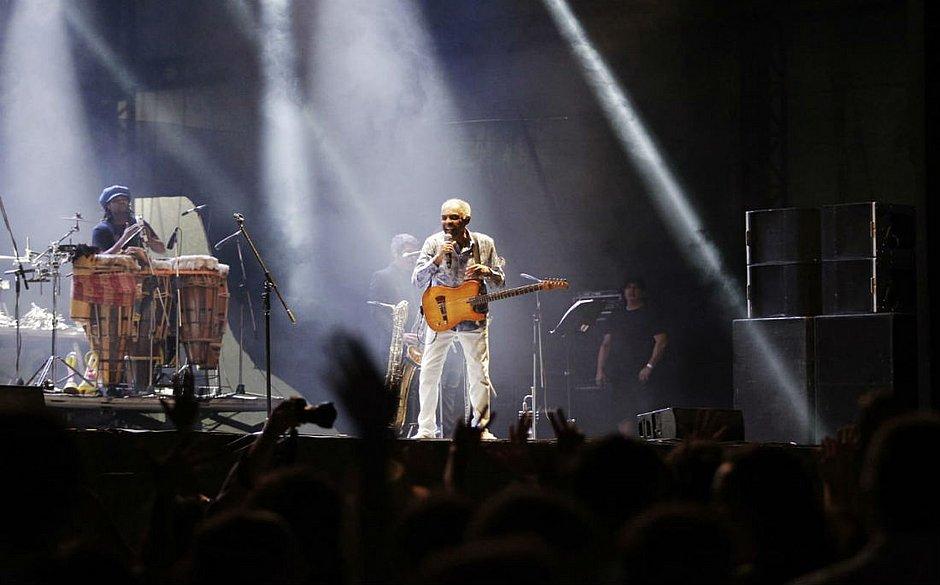 Gilberto Gil agita o público no Wet'n Wild