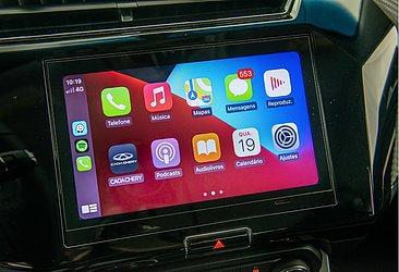 A central é compatível com CarPlay e Android Auto