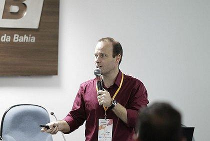Juan Torres mostrou como o cidadão comum pode acessar dos dados abertos