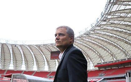Diego Aguirre foi apresentado pelo Internacional nesta segunda-feira (21)