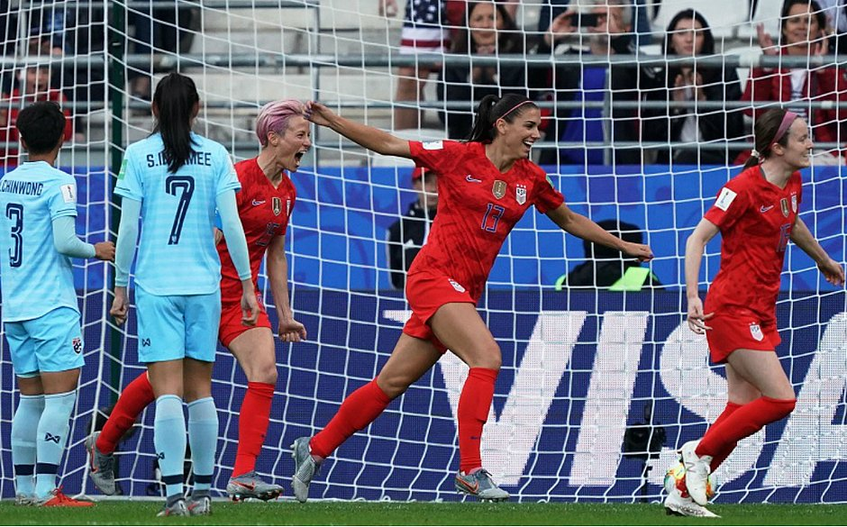 Alex Morgan marcou cinco gols no triunfo dos Estados Unidos