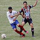 Magno Alves em lance com Jadson: Magnata mostrou o faro de artilheiro e fez o único gol do jogo