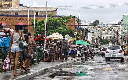 Movimento no fim de linha da Boca do Rio (Tiago Caldas/CORREIO)
