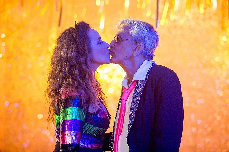 Em novo single, Daniela e Caetano atacam censura no 'país do Carnaval'