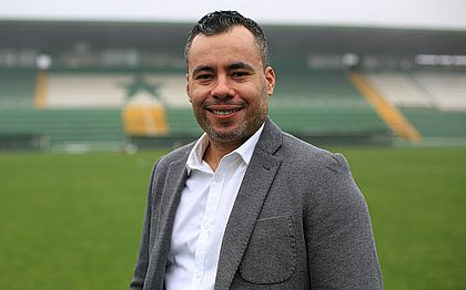 Jair Ventura foi anunciado pela Chapecoense