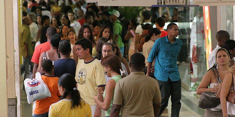 Lojas de shoppings de Salvador abrem neste domingo (21) após acordo
