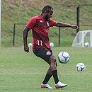 Recuperado de tendinite no pé, Chiquinho treinou com o grupo do Vitória