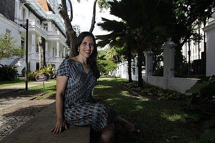 Jornalista baiana Josélia Aguiar transformou em livro o que seria um perfil de Jorge Amado