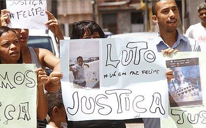 'Trataram meu filho como um marginal. Que polícia é essa?', diz pai de menino morto por PMs