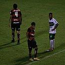 Wallace e Alisson Farias lamentam a eliminação do Vitória no Campeonato Baiano