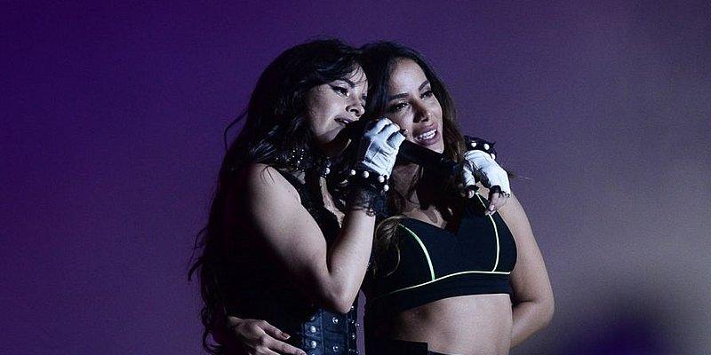 Camila Cabello vibra com participação de Anitta no seu show solo