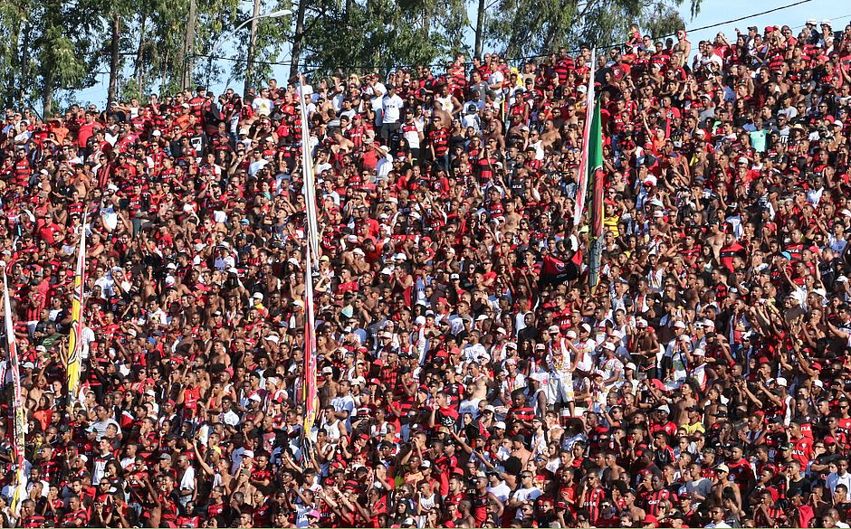 5db0e9c857 Vitória faz promoção de ingressos para jogo contra o Jacobina - Jornal  CORREIO