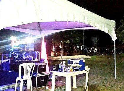 Festa clandestina com 250 pessoas é encerrada em Vitória da Conquista