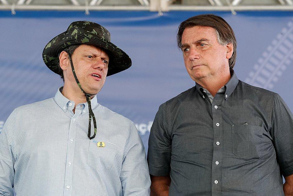 Tarcísio de Freitas é o 14º ministro diagnosticado com covid-19