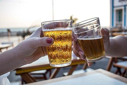 Preocupação, reflexão e gaiatice: baianos reagem ao aumento do preço da cerveja