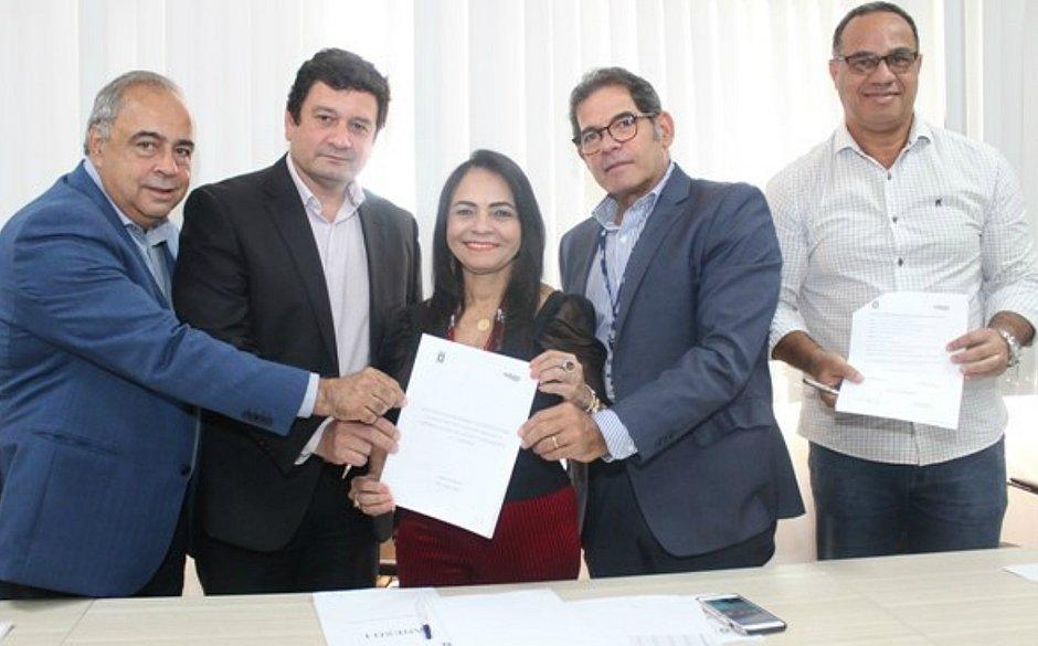 Embasa e Lauro de Freitas assinam contrato para abastecimento por 30 anos