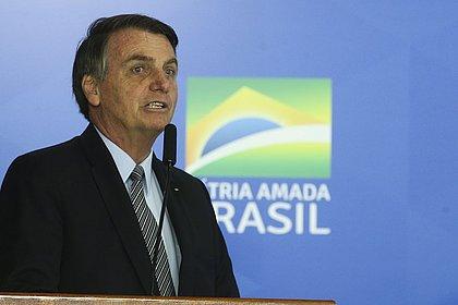 'Por enquanto, sem alteração', diz Bolsonaro sobre indicação de filho a embaixada