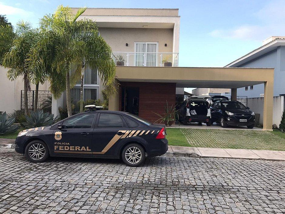 Justiça afasta prefeito de Jequié em operação que investiga fraude em licitação