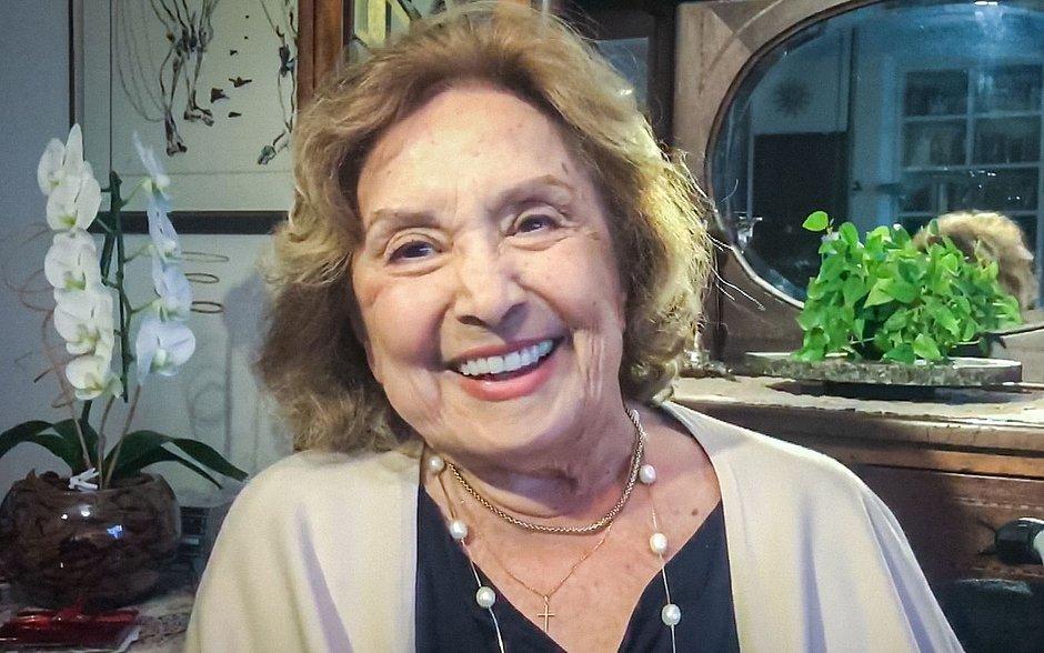 Ainda na UTI, Eva Wilma tem melhora, mas está com líquido no pulmão