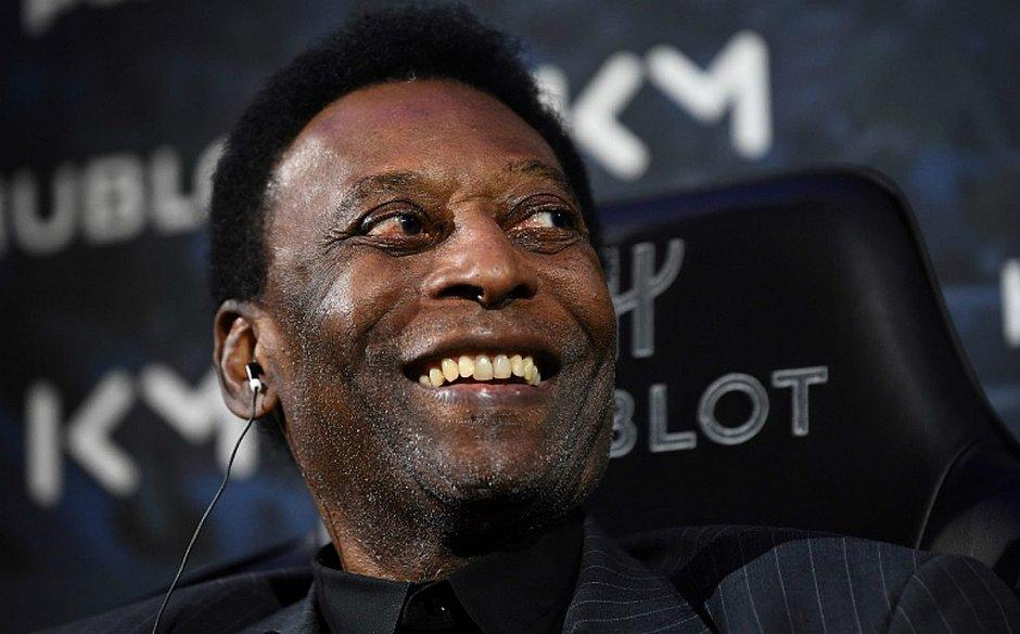 Pelé segue internado em hospital de Paris