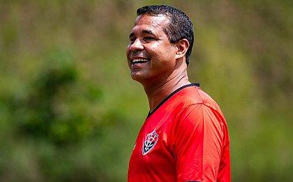 Rodrigo Chagas é o técnico do Vitória, que estreia neste sábado (27) no Nordestão