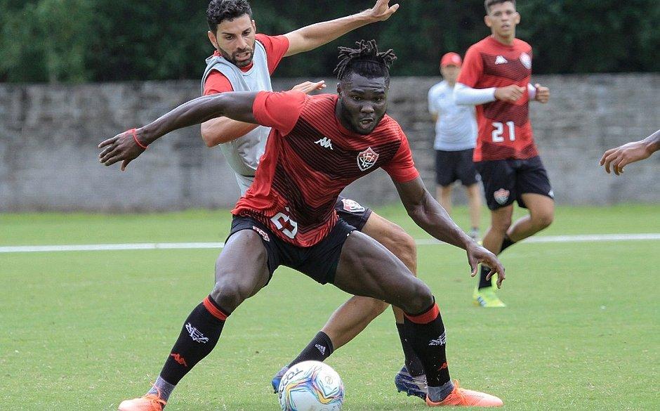 Jordy Caicedo é o substituo imediato de Léo Ceará