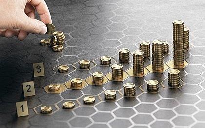 A assessoria usa o conhecimento dos especialistas para reduzir riscos e ajudar o investidor a alcançar seus objetivos