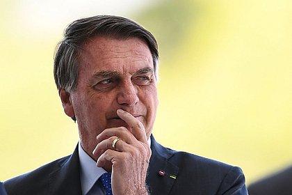 Publicado decreto de Bolsonaro que aumenta imposto para bancar Bolsa Família