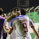 Gilberto comemora gol marcado contra o Guabirá