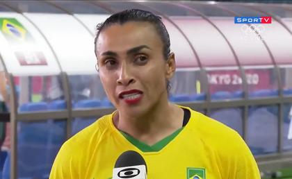 'Futebol feminino não acaba aqui', diz Marta após eliminação do Brasil