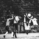 Jorge Campos em ação pelo Vitória na final de 1979. A venda dele ajudou o Bahia a construir o CT do Fazendão