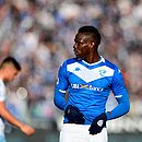 Balotelli voltou a sofrer com racismo em seu país
