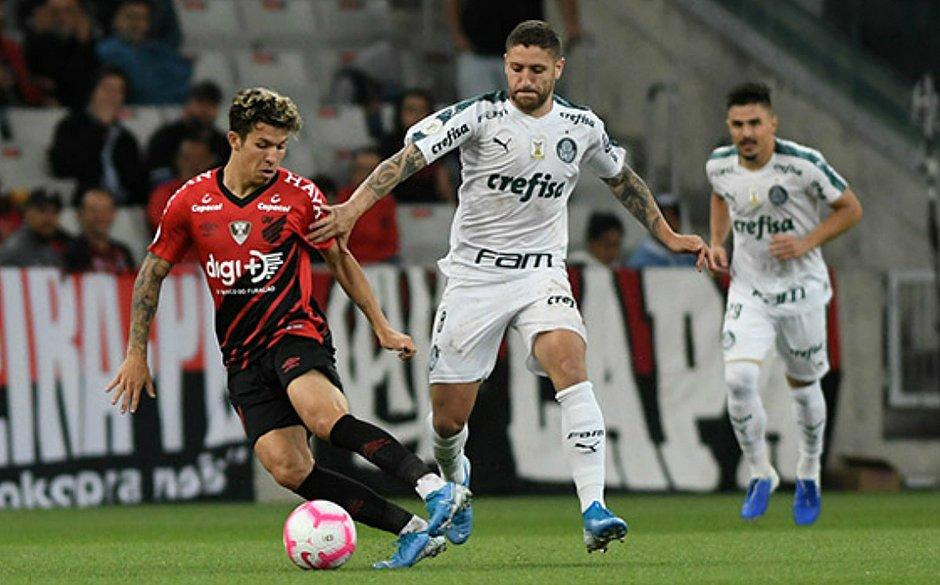 Athletico-PR e Palmeiras só empatam na Arena da Baixada