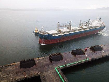 Enseada já 308 mil toneladas de minério de ferro produzido na Bahia