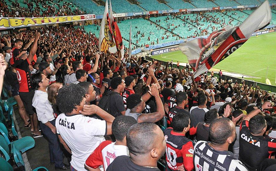 Torcida do Vitória na Fonte Nova em um dos três jogos na arena como mando de campo