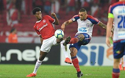 Fernandão marcou para o Bahia, mas não impediu a derrota tricolor no Rio Grande do Sul
