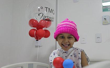 Criança recebe primeiro transplante de medula óssea pelo SUS na Bahia