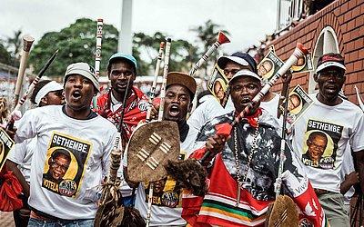 Lançamento do manifesto do Partido Inkatha Freedom (IFP) para as eleições sul-africanas em frente ao Estádio Chatsworth em Durban.