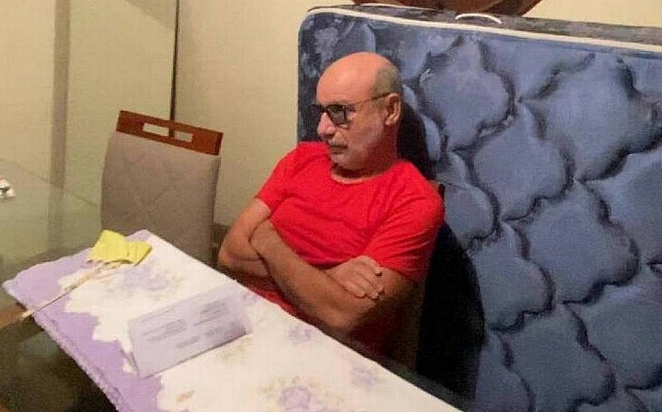 Queiroz deixa condomínio para voltar ao regime fechado
