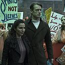 Martha Higareda e Joel Kinnaman estão no elenco da série de ficção científica Altered Carbon