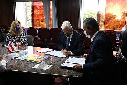 Consulado dos EUA assina acordo com Governo da Bahia para cooperação