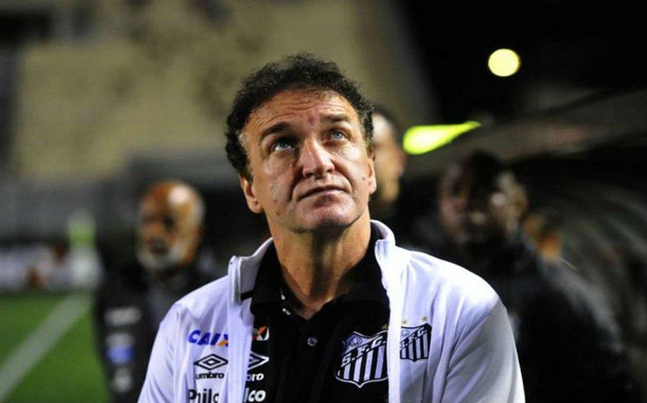 Treinador foi diagnosticado semanas atrás com a covid-19 e chegou a ficar internado no hospital Sírio-Libanês, em São Paulo