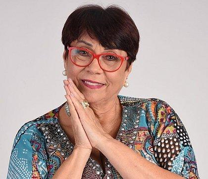 A cantora e contadora de história Nairzinha