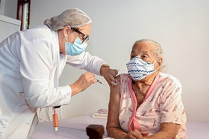 Bahia ultrapassa a marca de 3 milhões de vacinados contra a covid-19
