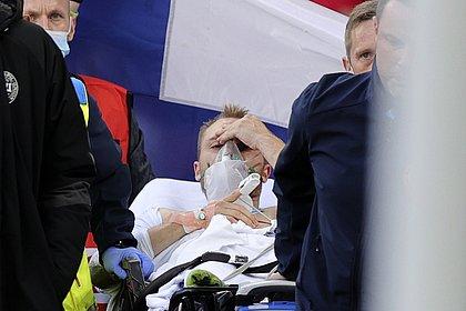 Após desmaio em campo, federação diz que Eriksen está acordado e faz exames